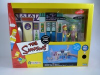 Simpsons Playset : Main Street with Squeaky Voiced Teen...