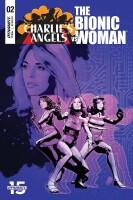 Charlies Angels vs. Bionic Woman 2 Cover A (Cat Staggs)