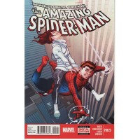 Amazing Spider-Man 700. 5 Cover A (Vol. 1)